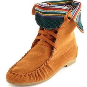Steve Madden TBlanket Tribal Fold-over Moccasins